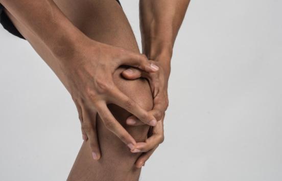 Kyste poplité : symptômes, causes, complications et traitements